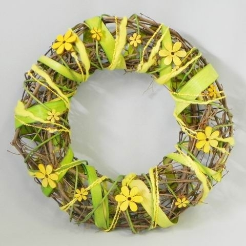 Věnec s květinkou proutí/dřevo natural/zelená/žlutá