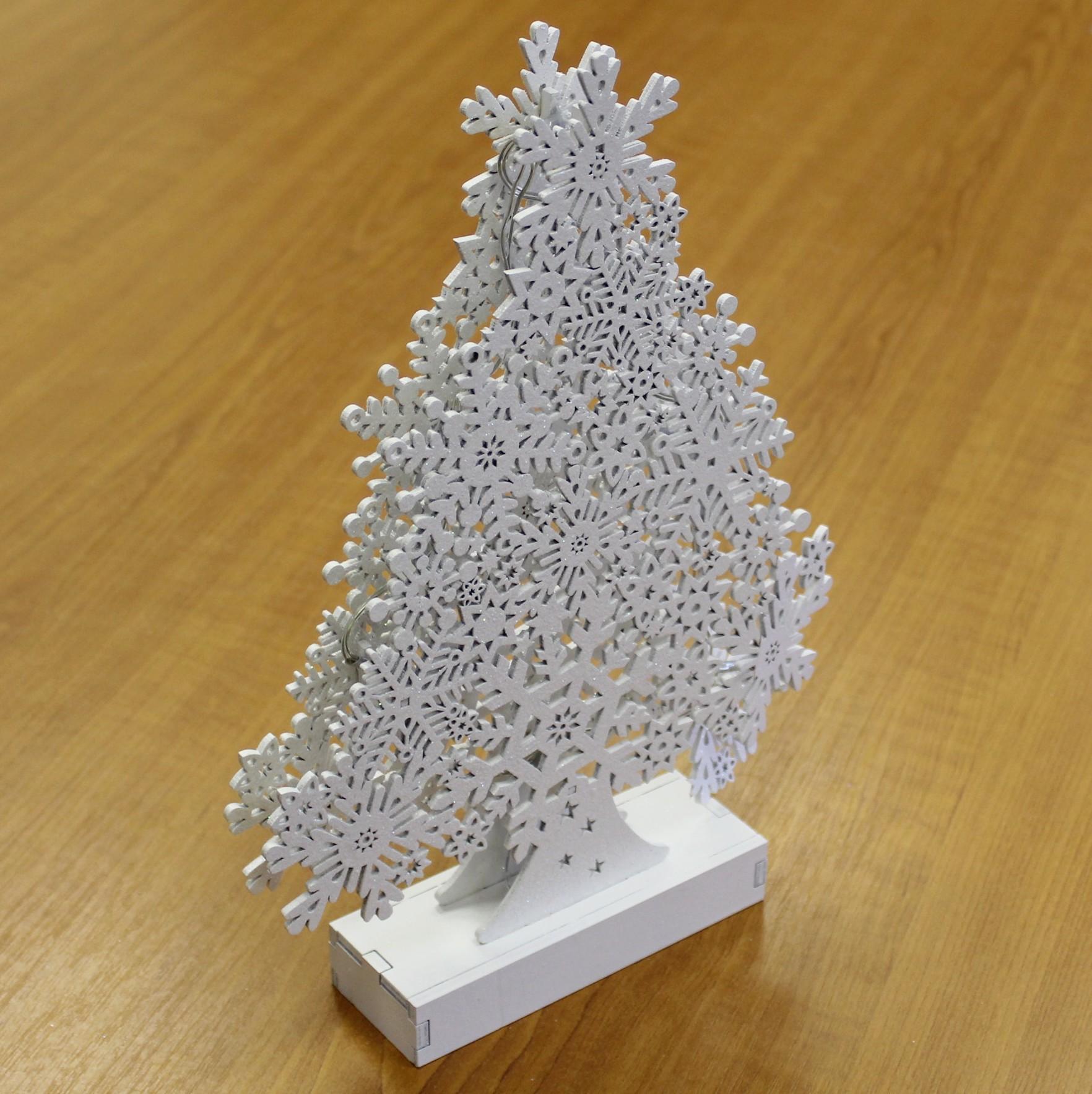 Strom dřevo +LED světla 31,5cm bílá