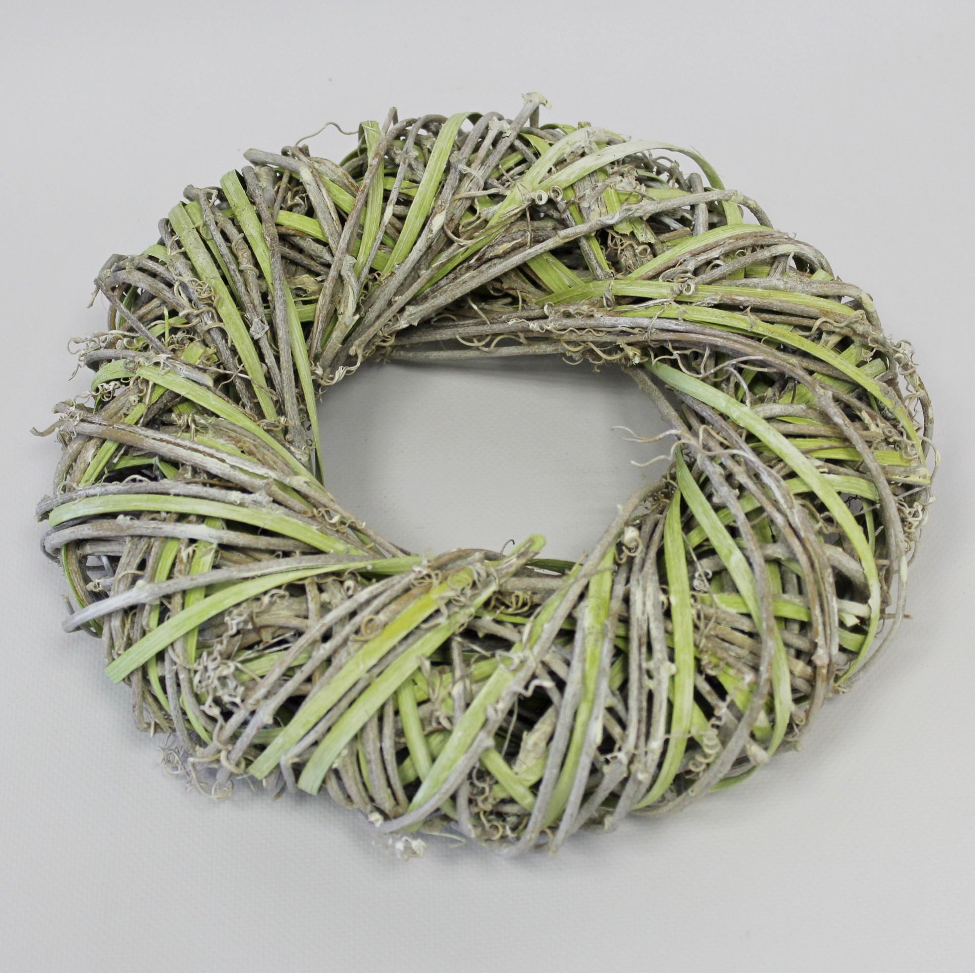 Věnec proutí 25cm bílá/zelená
